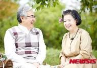 비타민D, 노인성 황반변성에 탁월…합성은 오히려 역효과