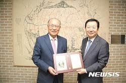 일동후디스 이금기 회장, 서울대 약대에 6억원 기부