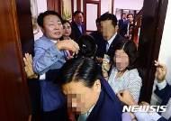 '경호원 멱살잡이' 한선교 의원 벌금 500만원 약식기소