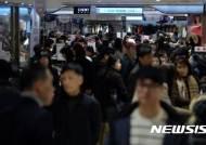 [유통가 우울한 연말]실종된 '서민경기 활성화 대책'…中企, 소상공인 '어쩌나'