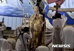 테러당한 이집트 기독교도, 공포와 애도 속 부활절 예배 강행