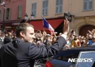 벼락스타 마크롱 프랑스대통령, 석 달 만에 인기도 급추락
