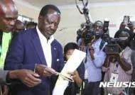 """케냐 선관위장 """"정치권, 대통령 재선거 개입 중단하라"""""""