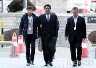 굳은 표정의 김태효 전 청와대 대외전략비서관