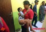 인도네시아서 쾌속선 전복...8명 사망 수십명 실종