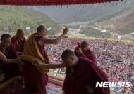 티베트 불교, 연말 달라이 라마 후계자 선임 착수