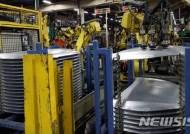 [2보]2월 산업생산, 전월과 보합…소비는 두 달 연속 증가