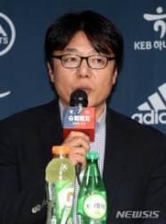 """황선홍 감독 """"퇴장 후 전술 변화가 오히려 독"""""""
