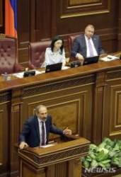 아르메니아, 종신집권 총리 사퇴시킨 야당지도자 단독 총리후보로
