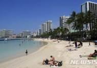 """""""산호초 지키자""""...하와이 주의회, 선크림 사용 금지 법안 통과"""