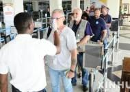 에볼라로 비상이 걸린 우간다 엔테베공항