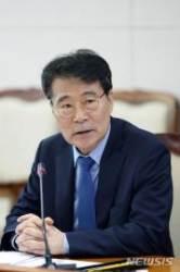 """바른미래 """"장하성, 포스코 인사 개입""""…靑 """"법적 대응"""""""