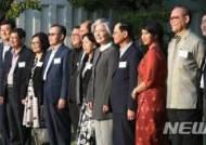 강경화, 아세안10개국 대표부 대사와 신남방정책 협력 논의