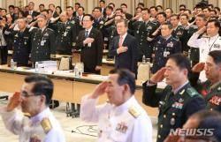 [국방개혁2.0] 2022년까지 장군수 76명 줄고, 兵복무기간 18개월 단축