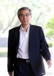 '퇴직직원 특혜취업' 공정위 간부들, 오늘 구속심사