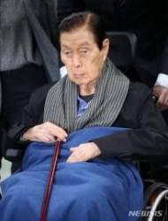 법원 나가는 신격호 롯데그룹 명예회장