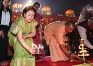 김정숙 여사, '인도 전통 염원 행사'