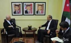 시리아 사태 논의하는 유엔특사와 요르단 외무장관