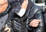 호송차로 이동 중인 택시기사 폭행사건 피의자
