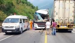 베트남 다낭 인근서 관광버스-트럭 충돌…우리국민 십여명 부상