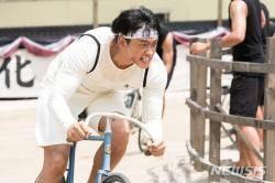 자전거로 민족 자긍심 회복 건각, 영화 '자전차왕 엄복동'