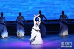 중국 예술단, 방북 친선 공연…북중우호 과시