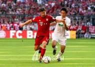 구자철 이적후 첫 경기서 1호 도움… 아우크스부르크 1-2 패, 바이에른 뮌헨 4연승
