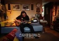 '록의 대부' 한대수 7년만에 신곡 발매, 카랑카랑한 목소리 여전