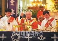 한국 방문하는 교황, 중국과 일본에 가지 않는 이유는?