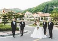 ① 배우 정민결과 가수 엄브렐라의 네 멤버가 만났다.
