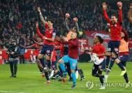 10명이 싸운 PSG, 릴에 1-5 완패…'미뤄진 우승 기회'
