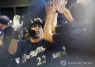 옐리치, 43호포 폭발…MLB 최초 50홈런-30도루 접근