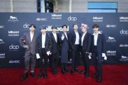 방탄소년단,美 '빌보드 뮤직 어워드' 3년 연속 '톱 소셜 아티스트' 수상