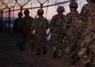 뻥 뚫린 허수아비 군대…북 병사, 다른 소초도 '똑똑'