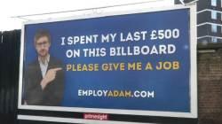 """""""일자리 주세요"""" 영국 청년, 구직 위해 길거리 광고"""