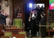 캐나다 총격 사건, 58세 의회 경위가 대형 참사 막았다
