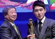 프로야구 시상식 휩쓴 넥센…'신고선수' 서건창 MVP