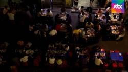 [밀착카메라] 시끄럽고 불편하고…인도 '깔고 앉은' 테이블