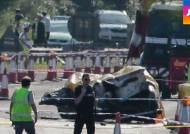 에어쇼 하던 비행기, 도로로 '곤두박질'…11명 사망
