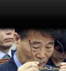 """장하성 """"내년 성과 체감"""" KDI는 """"내년 더 어렵다"""""""