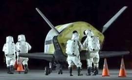 우주 비행선? 전투기? 베일 속 美 공군 'X-37B' 2년만에 우주서 귀환