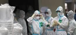 진료 중 환자에 감염 국내 의료진 코로나 첫 사망